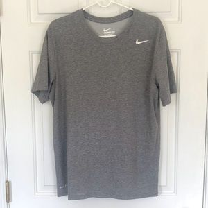 THE NIKE TEE  Athletic Cut, Dri-Fit, Size - Large